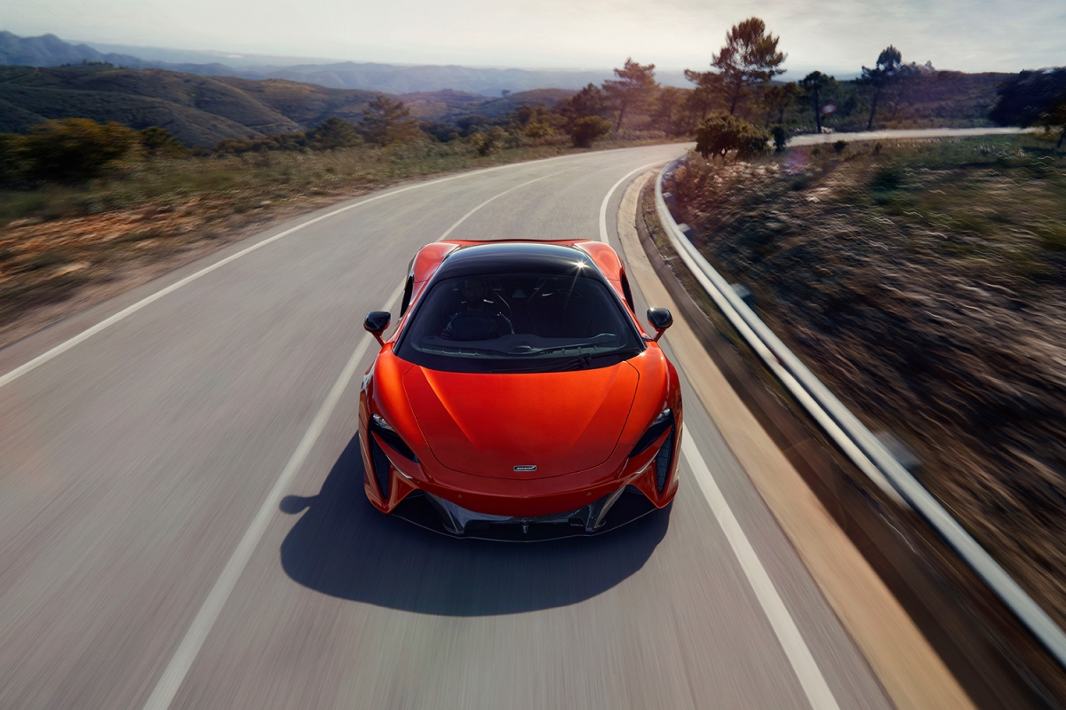 McLaren Artura plug-in hybrid supercar