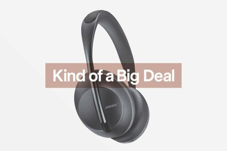Refurbished Bose 700s Are Over $150 Off Right Now