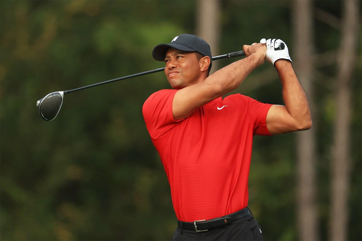 Tiger Woods golfing in Florida