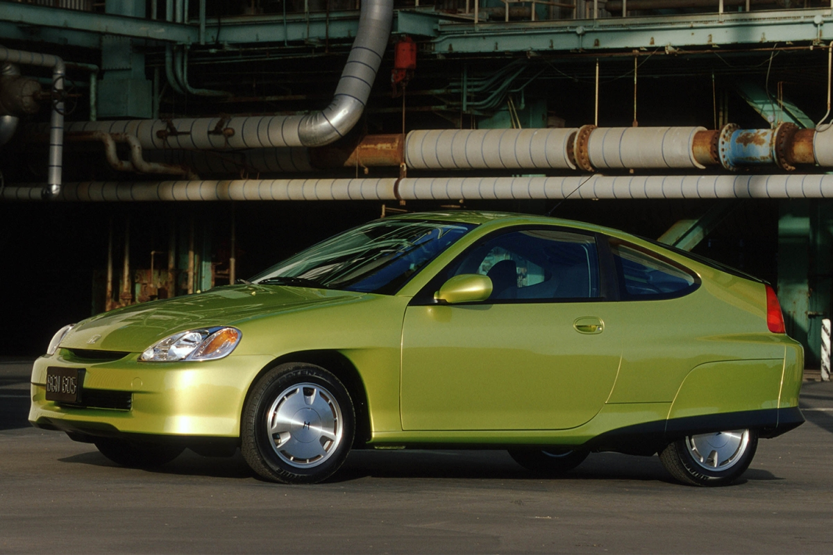 2000 Honda Insight hybrid car in the color citrus yellow metallic