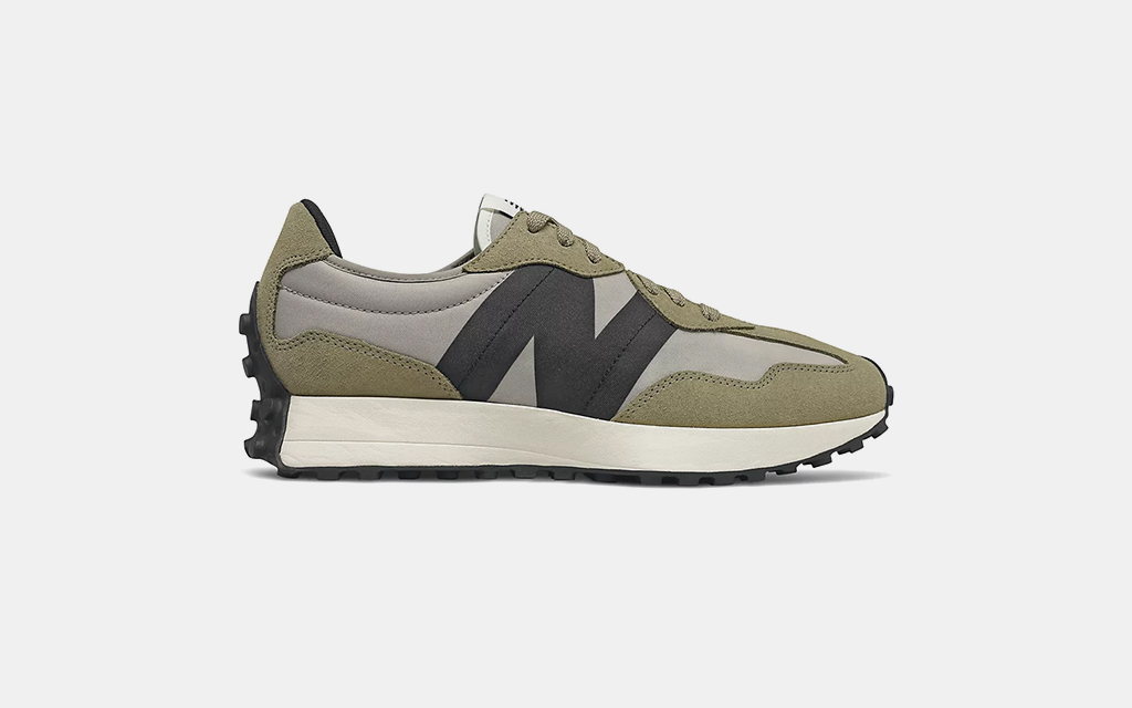 New Balance 327 in Covert with Aluminum Green