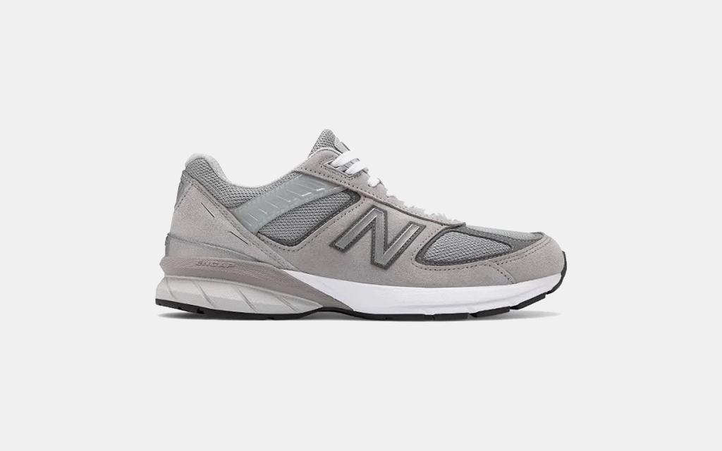 New Balance 990v5 in Grey
