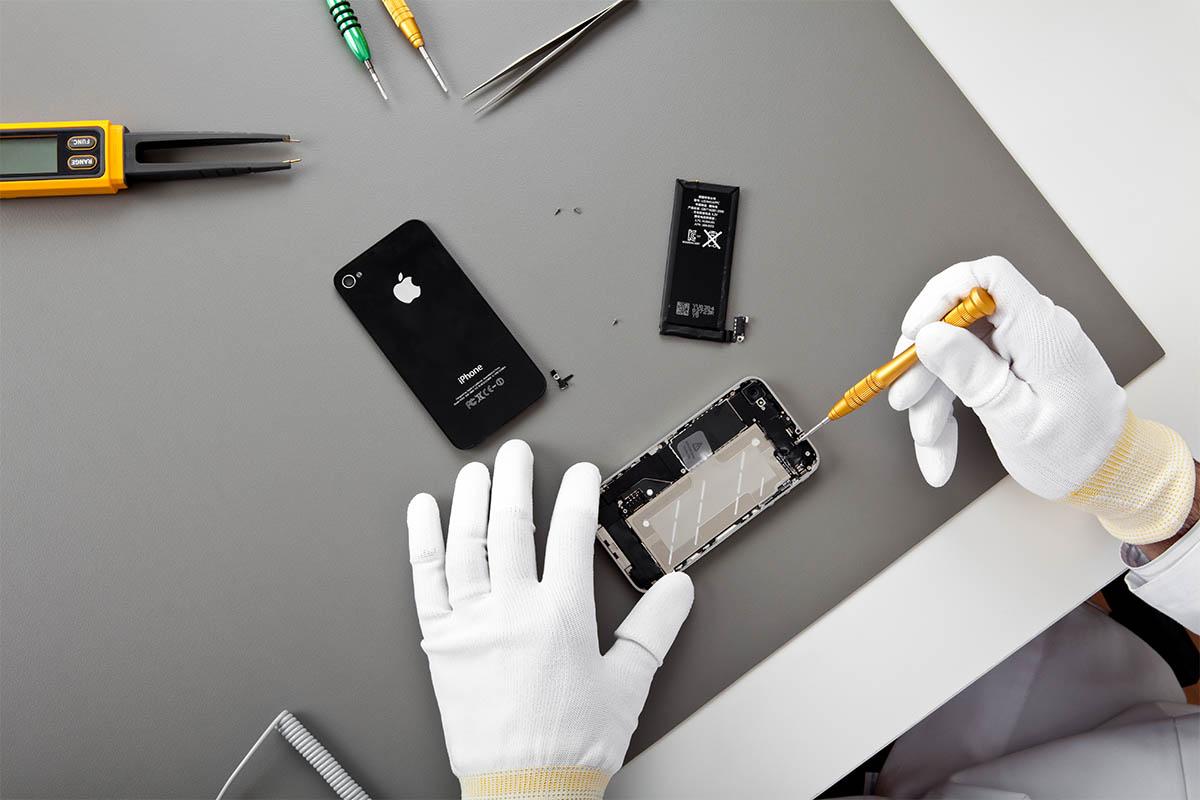 Apple smartphone repair