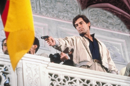 """Timothy Dalton as 007 on the set of """"The Living Daylights"""""""