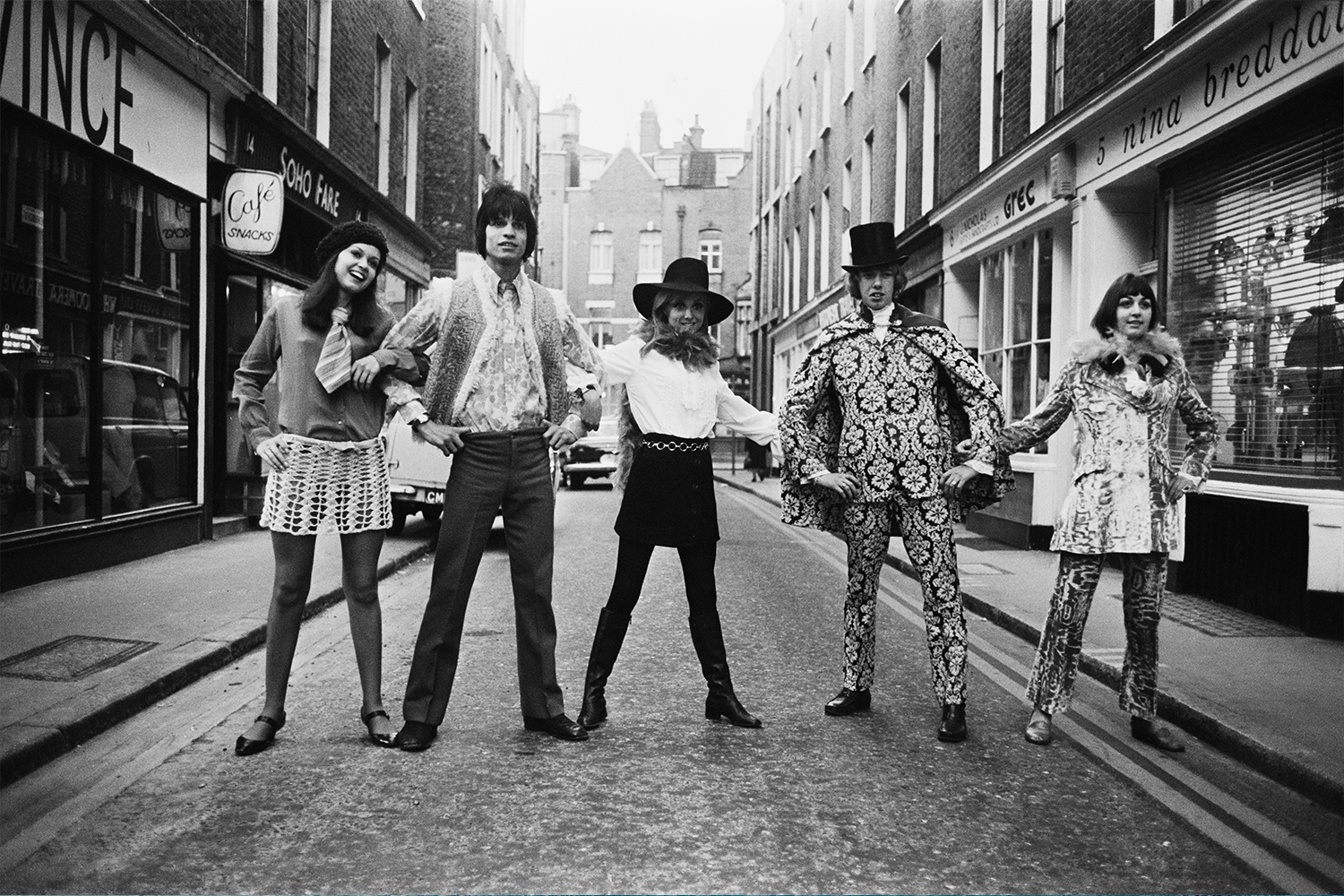 Carnaby Street fashions in Soho, London, 8th November 1967. Maggie Bass, Ivan and Carole Debond, Graham Peach and Jane Fox model the latest trends.