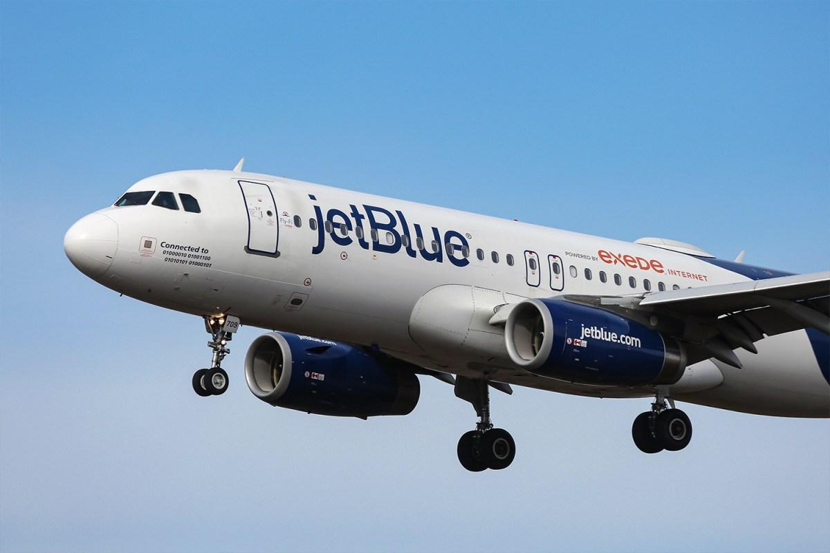 "JetBlue Bans Overhead Bin Access for ""Basic"" Passengers"