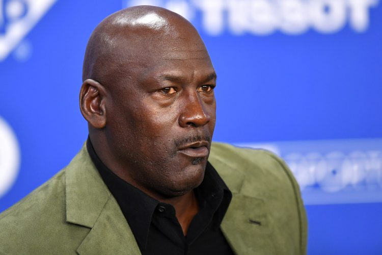 Why Can't Michael Jordan Sell His Mansion in the Chicago Suburbs?