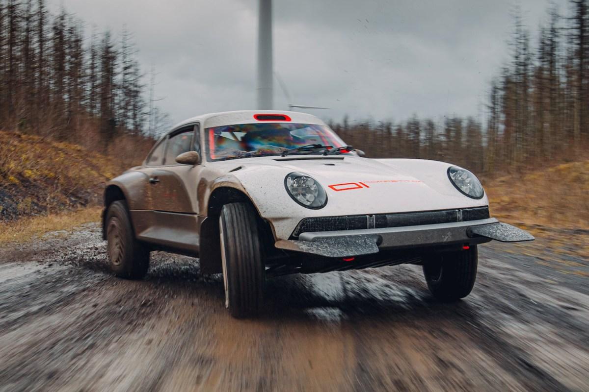 Singer Vehicle Design ACS Safari Porsche 911