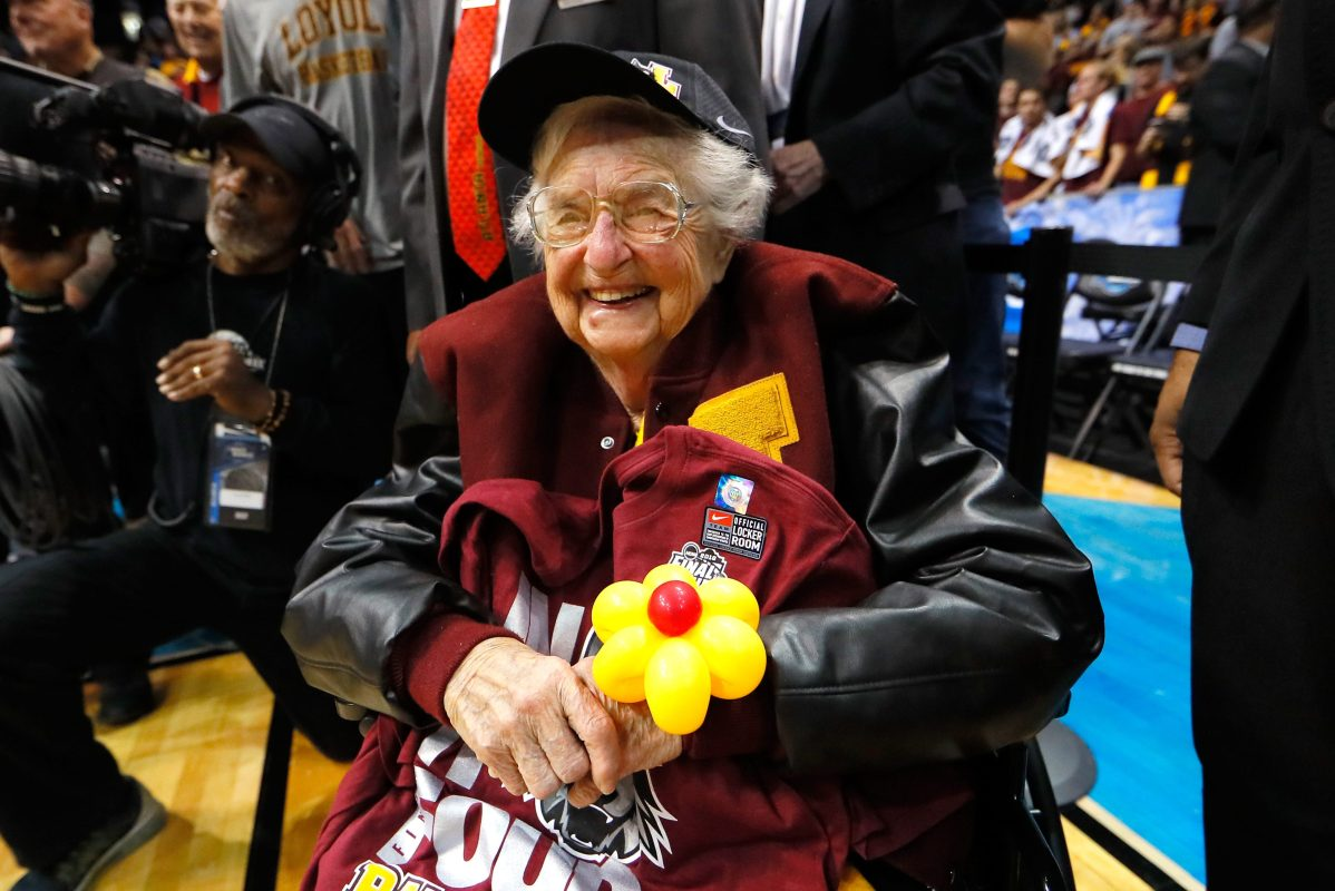 Sister Jean cheering on Loyola-Chicago in 2018