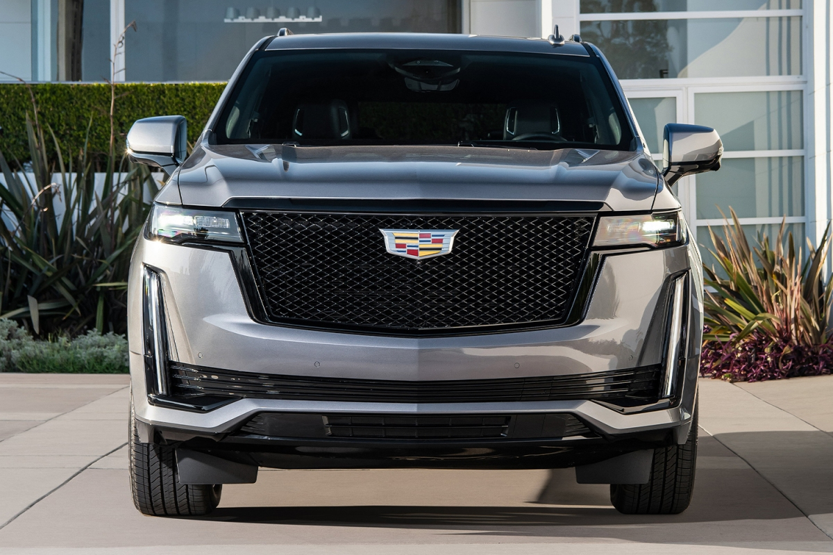 The front end of the 2021 Cadillac Escalade SUV