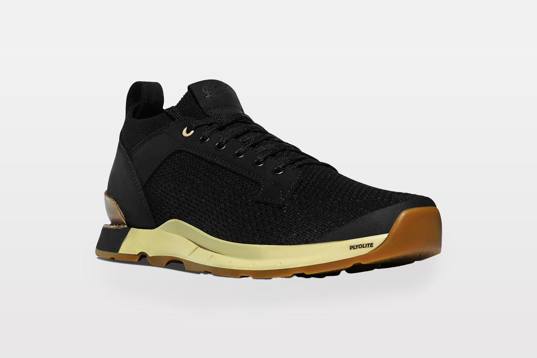 Danner Overlook shoe in Jet Black