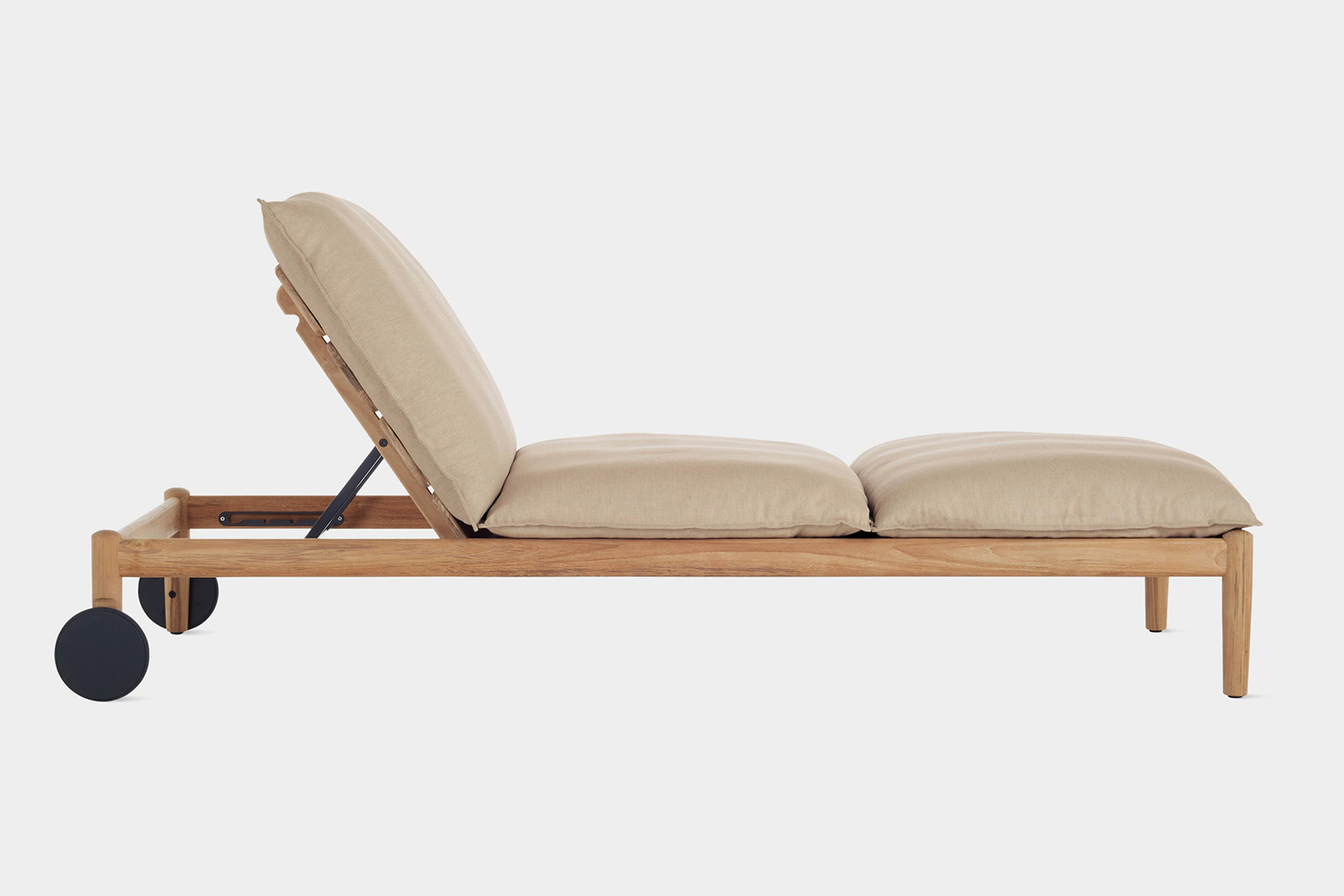 Terassi Chaise from Design Within Reach
