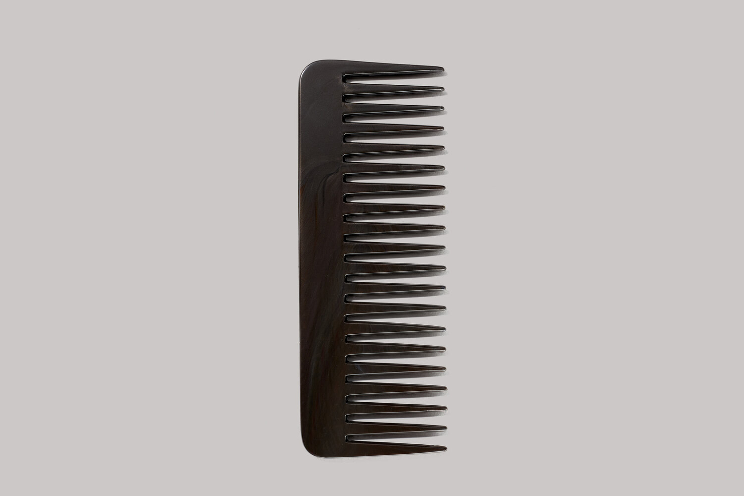Pre-consumer recycled comb
