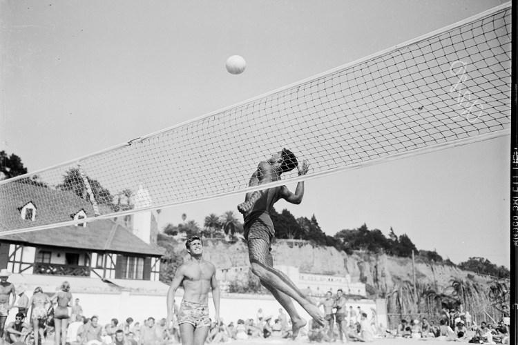 beach volleyball guy
