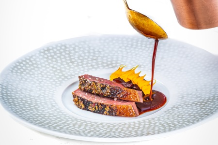 Dry-aged Barbarie Duck with sauce à la presse, wild fennel puree and shokupan