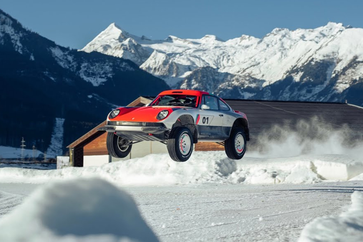 The ACS off-road Porsche from Singer and Tuthill done up in a Yeti livery by GP Ice Race