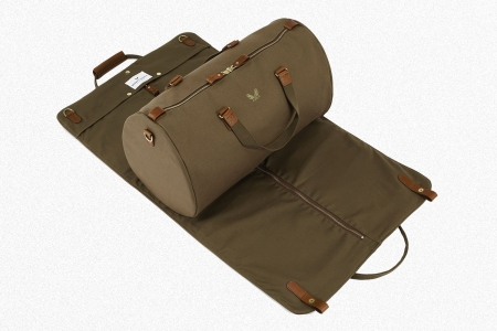 The Bennett Winch Suit Carrier Holdall in olive