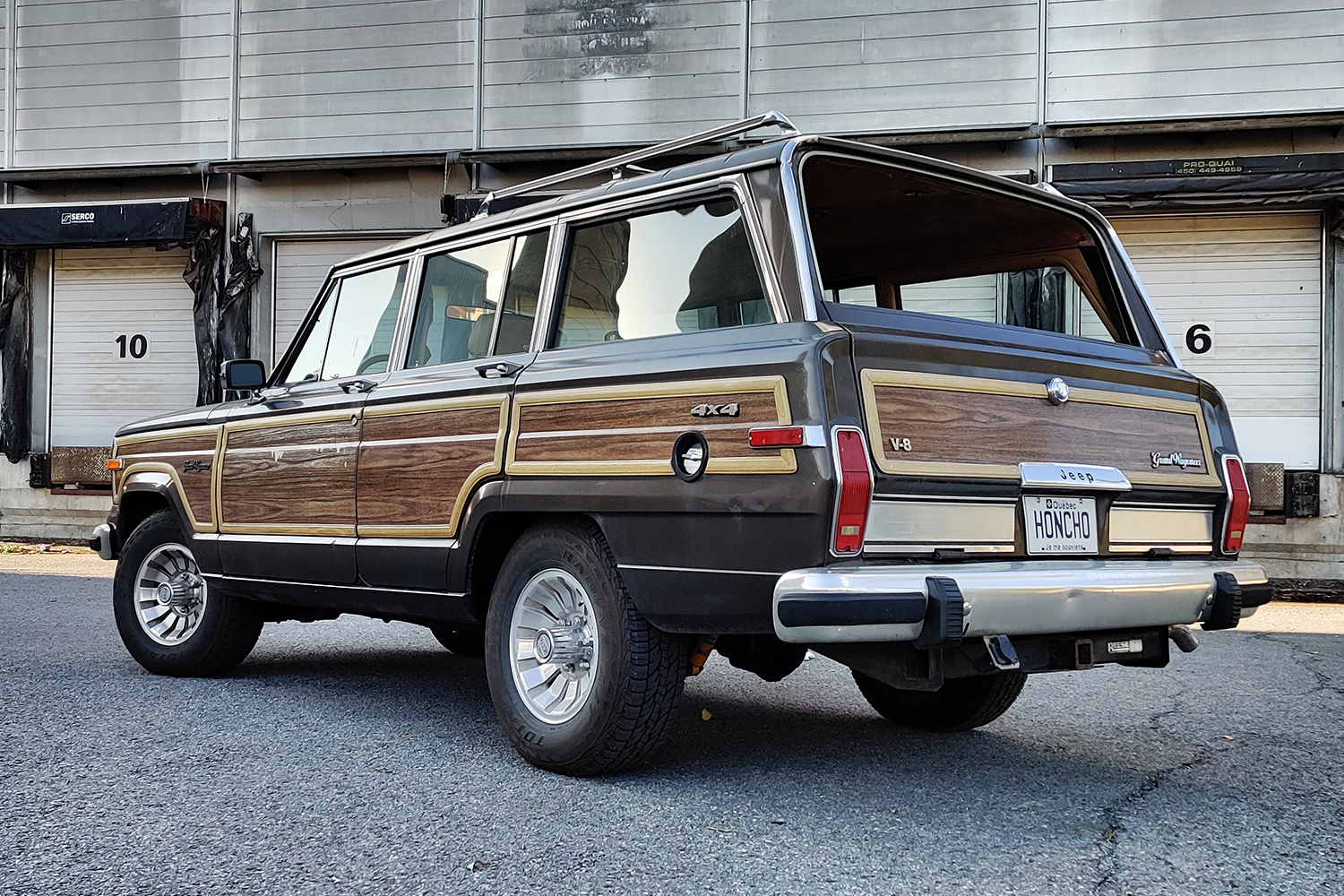 The rear end of a 1987 Jeep Grand Wagoneer