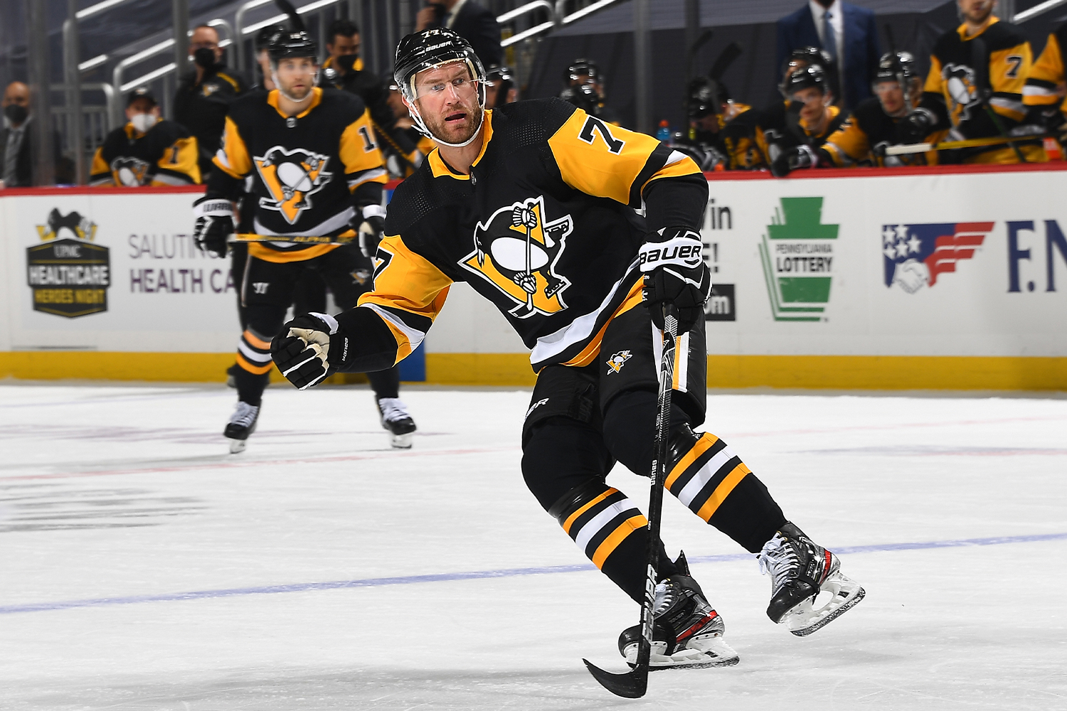 Jeff Carter #77 of the Pittsburgh Penguins skates against the Boston Bruins at PPG PAINTS Arena on April 27, 2021