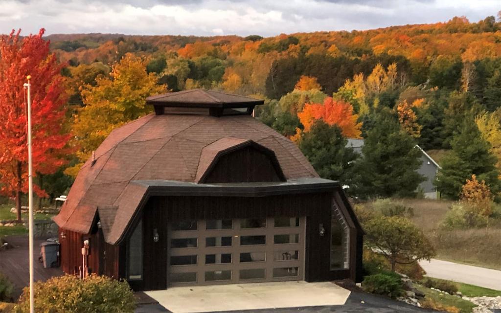 Dome Home Aribnb on Lake Michigan