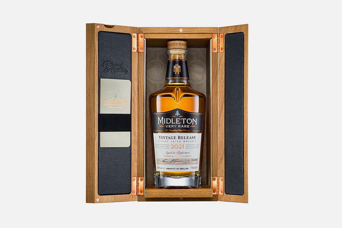 The wooden case for the Midleton Very Rare 2021