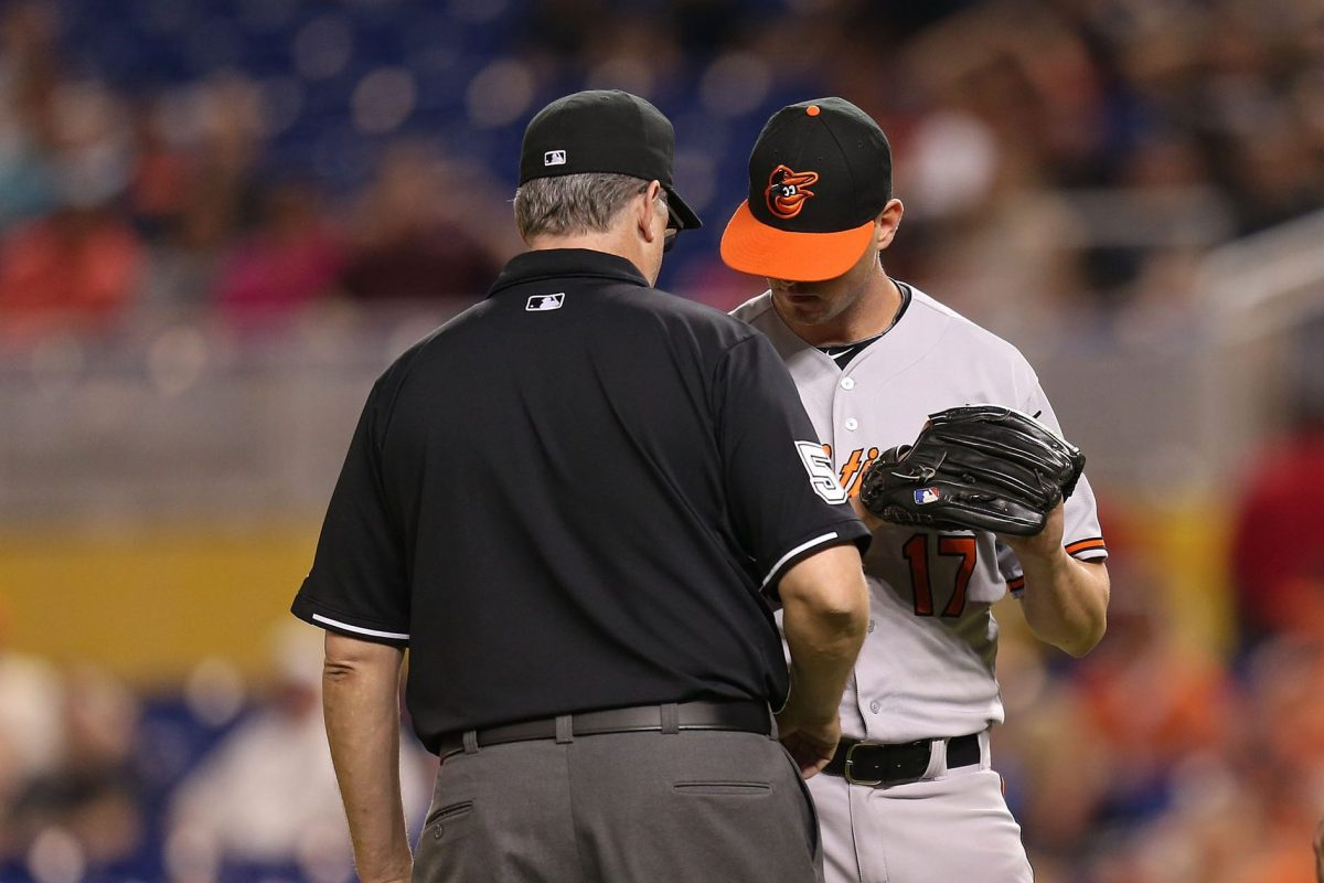 Brian Matusz is ejected by the umpire for having a foreign substance on his arm in 2015