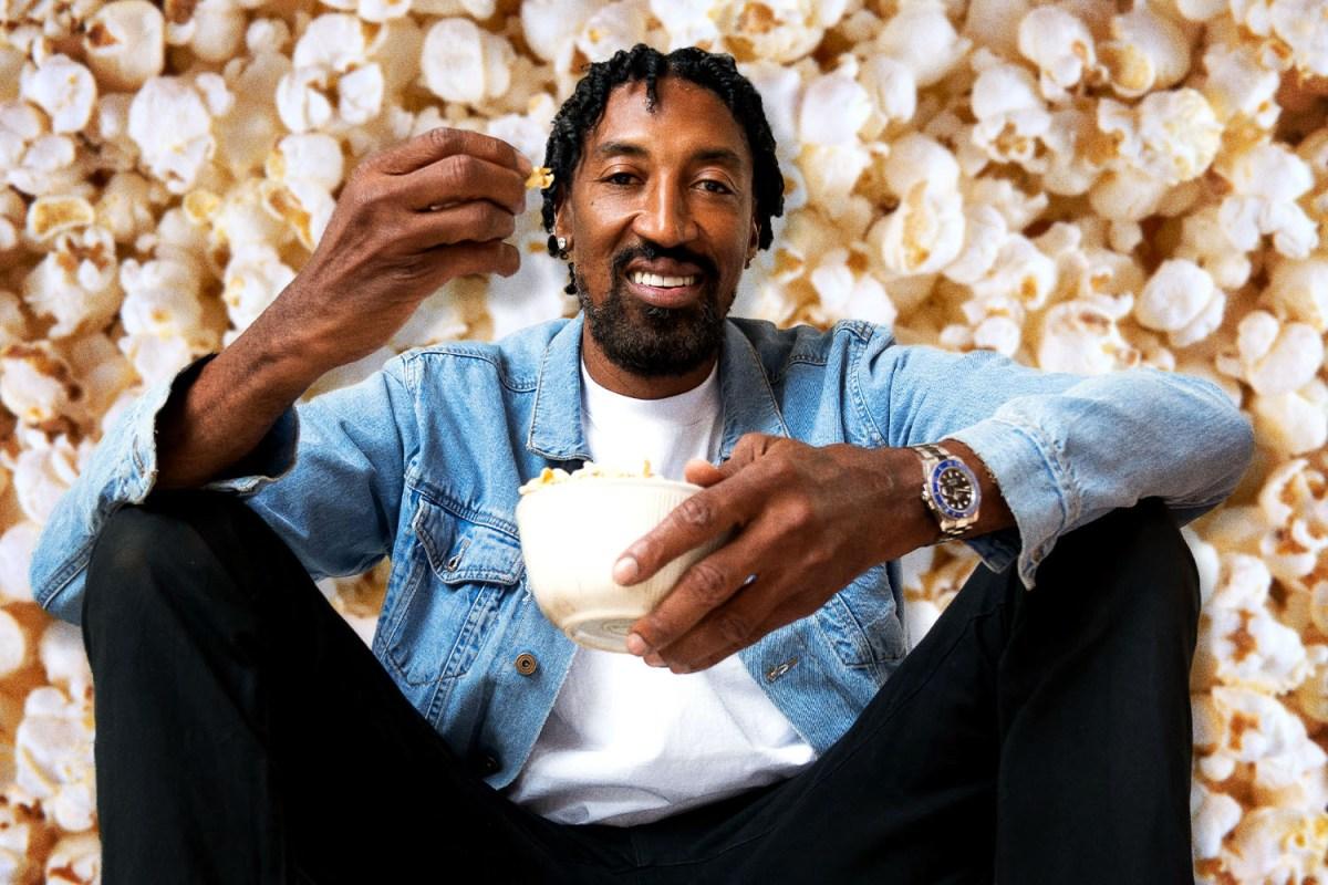 Scottie Pippen eating popcorn