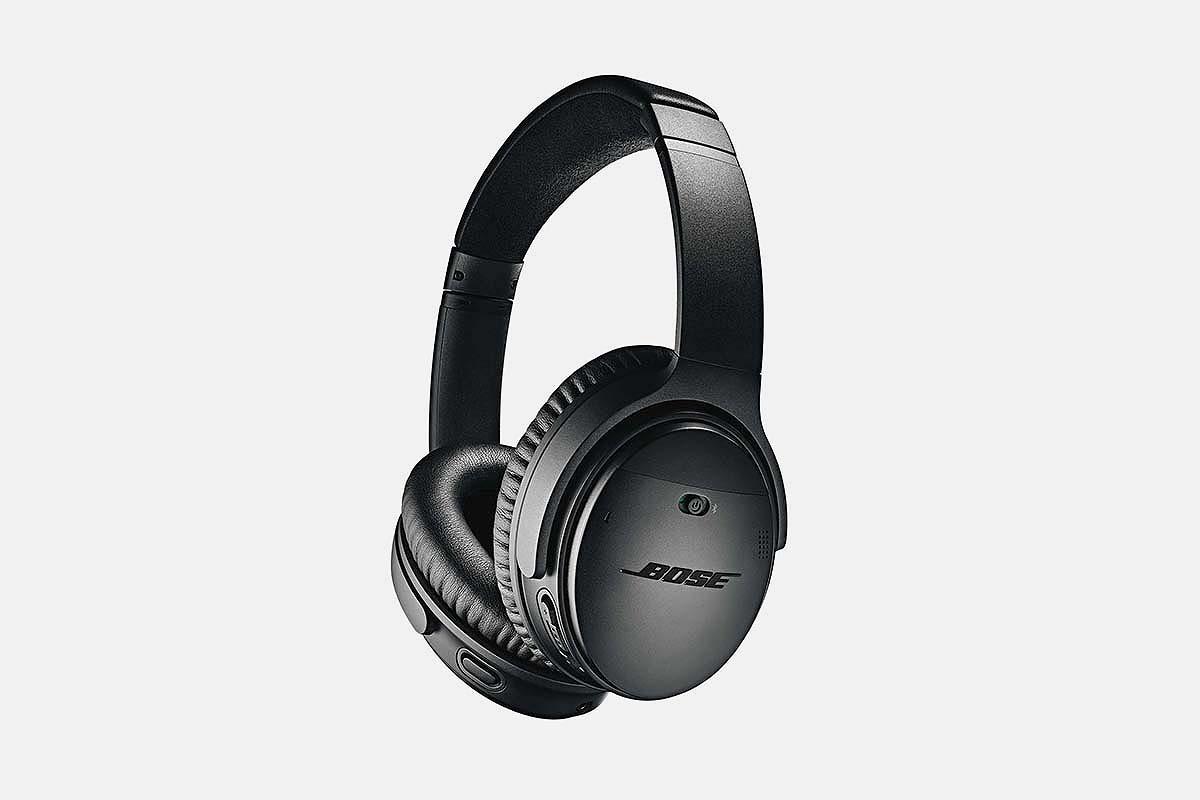 A black pair of Bose QuietComfort 35 II headphones, now on sale