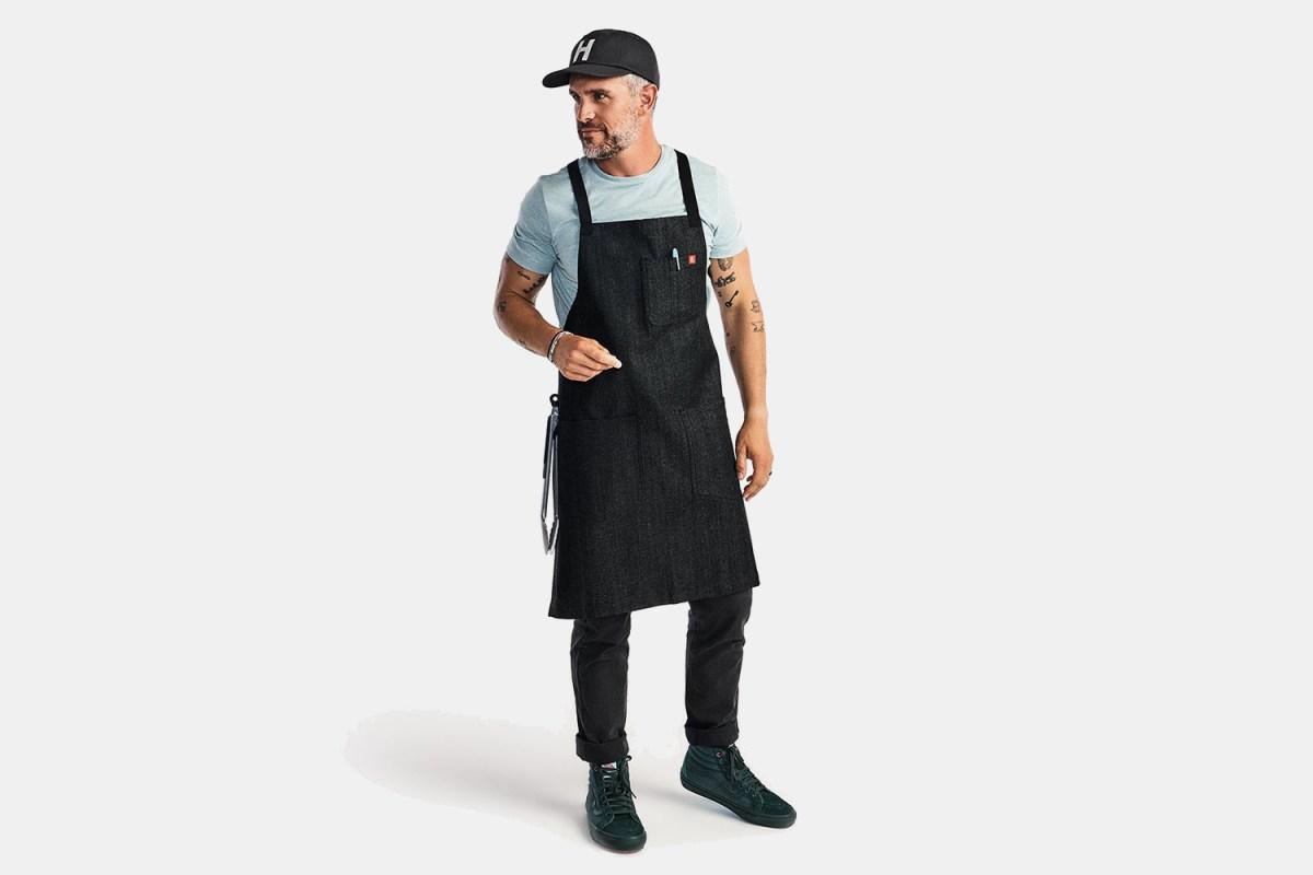 Even amateur chefs need fancy aprons.