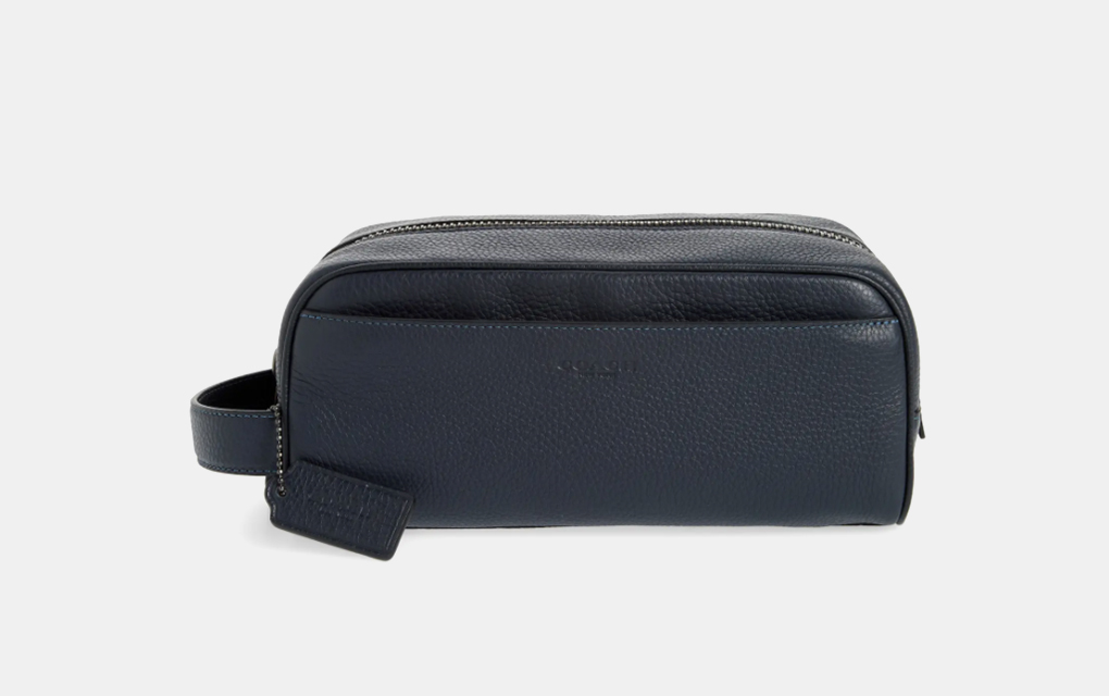 Coach Pebbled Leather Dopp Kit in Navy