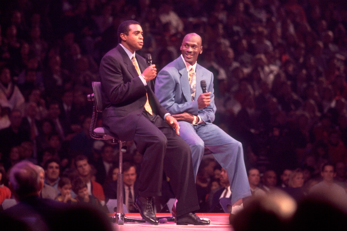 Ahmad Rashad and Michael Jordan at the United Center in 1993