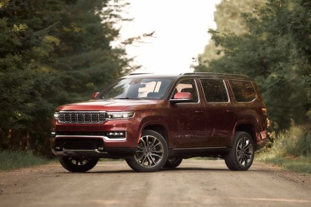 Review: The 2022 Jeep Grand Wagoneer Is No Blast From the Past