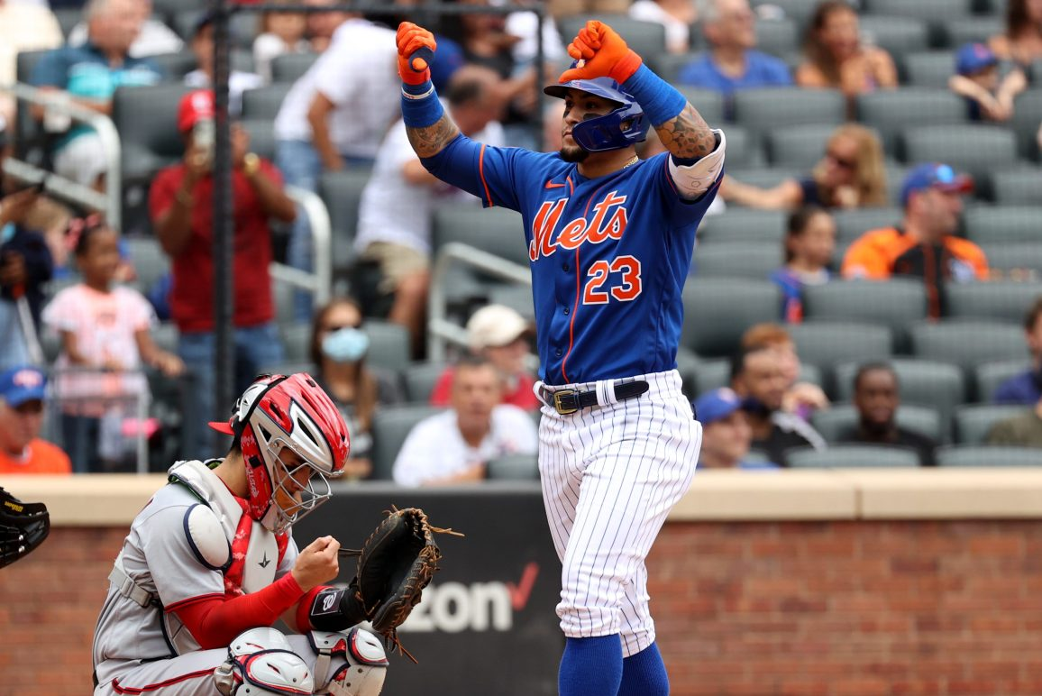 MLB pro Javier Baez reacts to the fans with a thumbs down gesture, reminding New York Mets fans that MLB players are the biggest babies in professional sports.