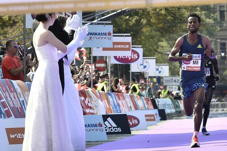 Derara Hurisa finishes the Vienna Marathon in first place.