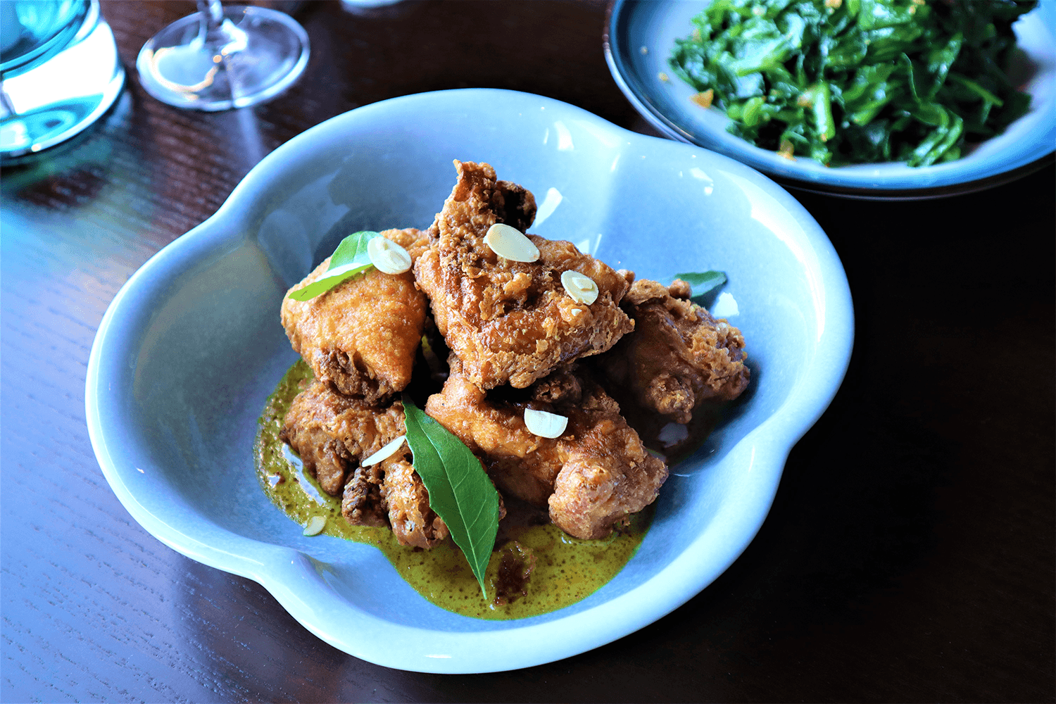 Crispy Chicken with Curry and Milk