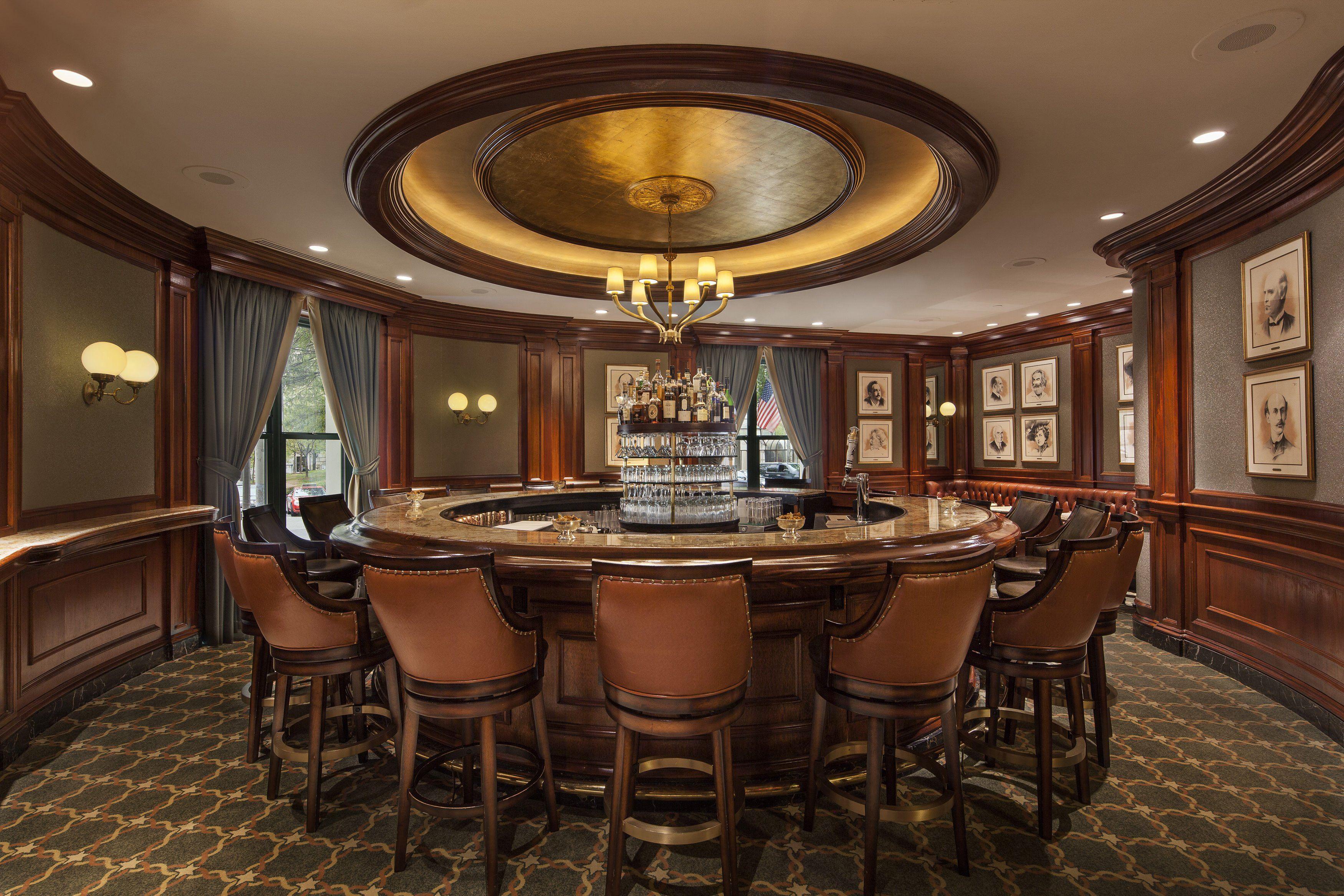 The circular Round Robin Bar at the Willard Intercontinental
