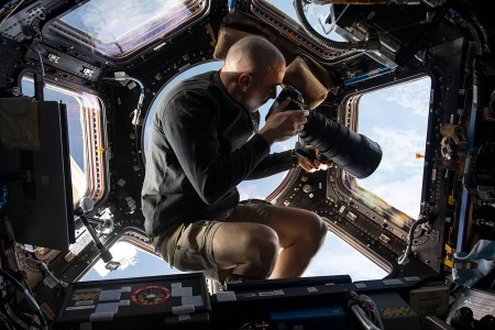 Chris Cassidy photographs space.