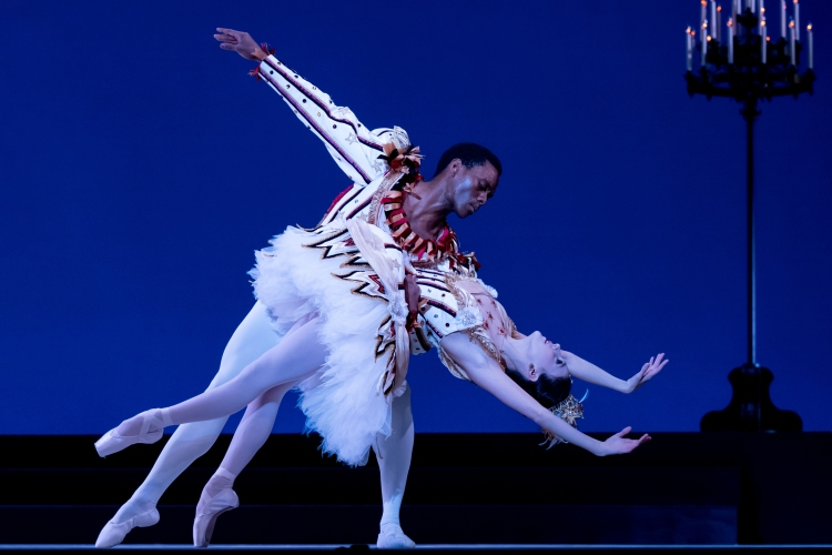 Andile Ndlovu performs with Katherine Barkman in a performance for the Washington Ballet